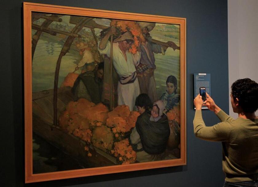 """Vista de la obra """"La Ofrenda"""" (1913) de Saturnino Herrán hoy, jueves 27 de septiembre de 2018, durante el recorrido a la prensa en la exposición """"Saturnino Herrán y otros modernistas"""", en el Museo Nacional de Arte, en Ciudad de México (México). EFE"""