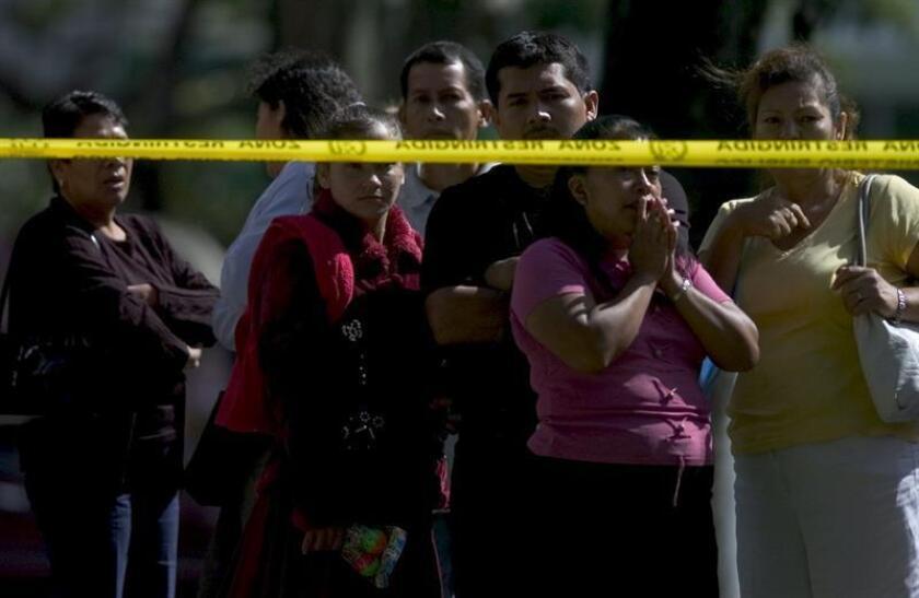 Las elevadas tasas de violencia y criminalidad en América Latina y el Caribe le cuestan a la región 261.000 millones de dólares al año, lo que supone el 3,55 % del PIB, y es el doble del promedio de los países desarrollados, indicó hoy un estudio del Banco Interamericano de Desarrollo (BID). EFE/ARCHIVO