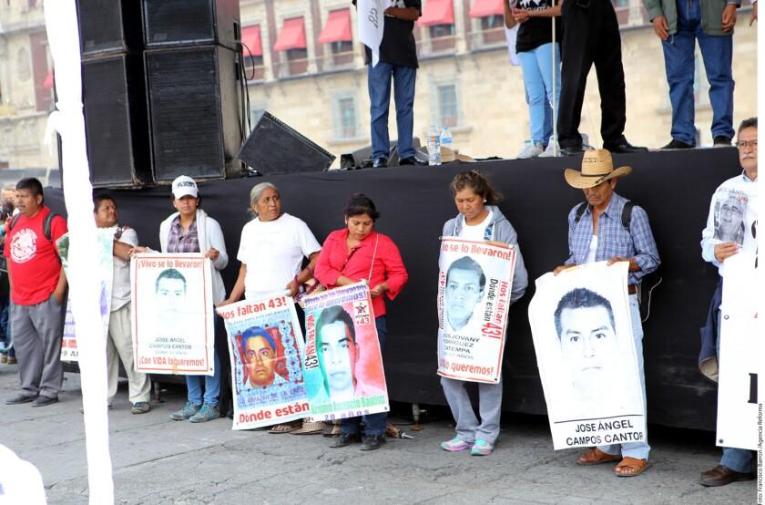 Integrantes del equipo forense y legal de los familiares de los 43 normalistas de Ayotzinapa se sumarán a la Procuraduría General de la República (PGR) para rastrear a partir de la próxima semana posibles fosas clandestinas en Guerrero con el sistema LIDAR, tecnología que detecta alteraciones en el suelo, informó la Procuradora Arely Gómez.