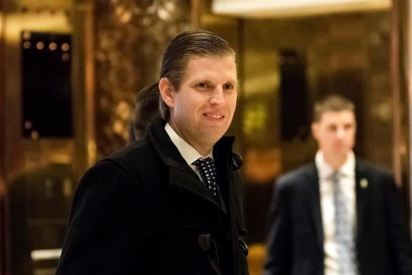 El presidente electo, Donald Trump, lamentó hoy que su hijo Eric haya suspendido las actividades de su fundación por el conflicto de intereses con el nuevo rol del magnate al frente de la Casa Blanca. EFE/ARCHIVO