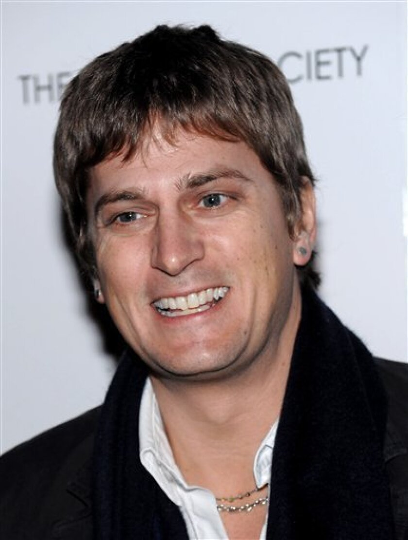 """FILE - In this Nov. 18, 2008, file photo, singer Rob Thomas attends a special screening of """"Milk"""" in New York. (AP Photo/Evan Agostini, file)"""