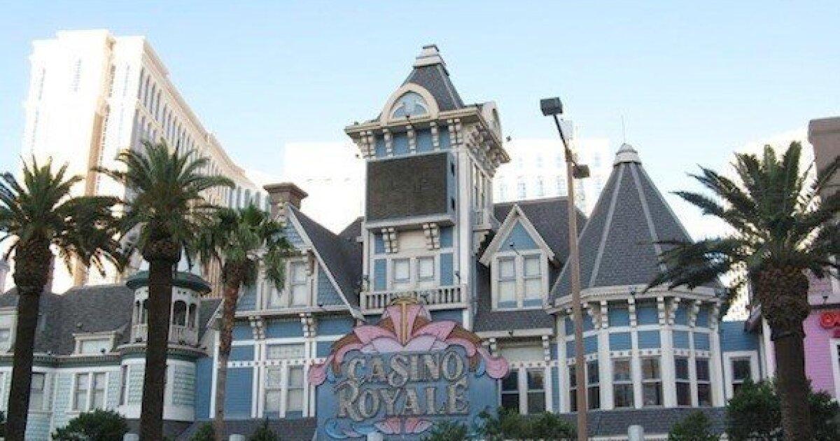 casino royale hand
