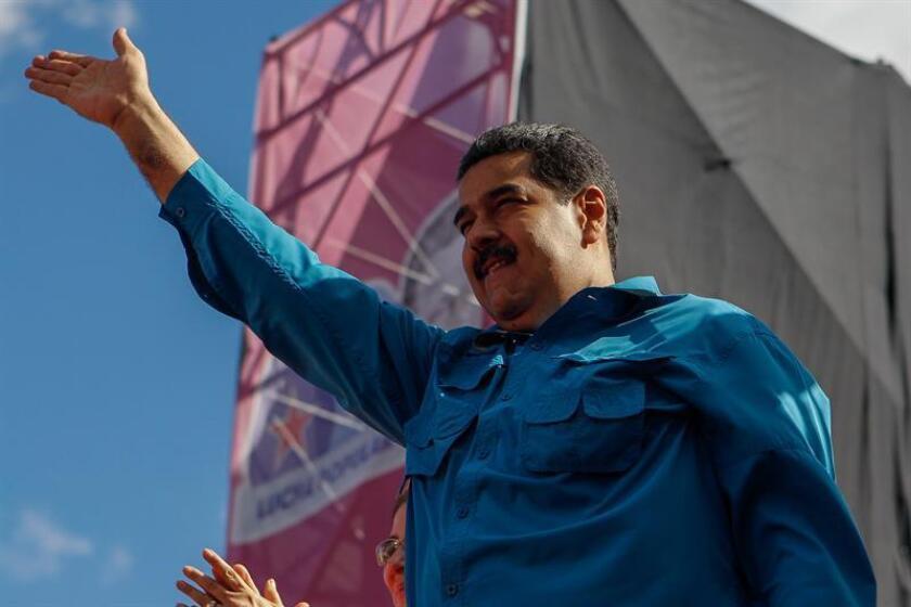 El presidente venezolano, Nicolás Maduro (c), participa en un evento con motivo de la conmemoración de los 60 años de la caída de la dictadura del general Marcos Pérez Jiménez. EFE/Archivo