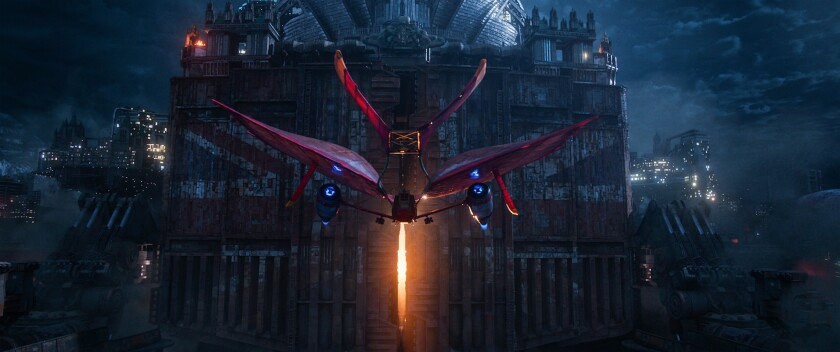 """The airship Jenny Haniver confronts the traction city of London in """"Mortal Engines."""" The film is dir"""