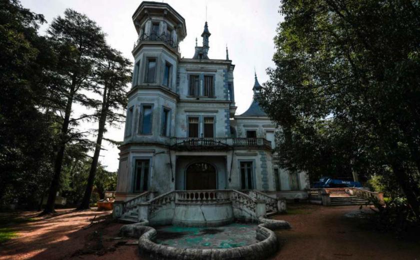 Fachada del Castillo Idiarte Borda, ubicado en Montevideo. Foto / EFE