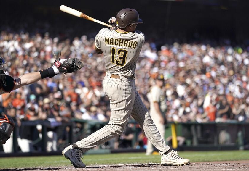 Manny Machado hits a sacrifice fly