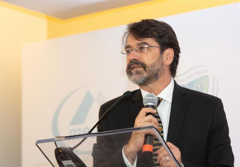 Fotografía del 29 de mayo de 2018, cedida por la agencia Nucleus, que muestra al hepatólogo Jorge Luis Poo mientras participa en una rueda de prensa en Ciudad de México (México). EFE/Agencia Nucleus/SOLO USO EDITORIAL