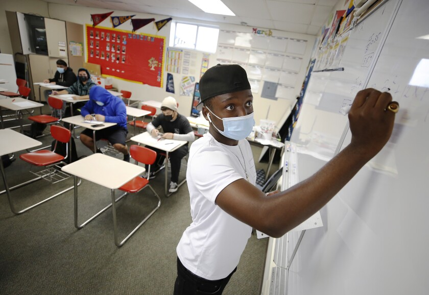 California school mask mandate does not faze students