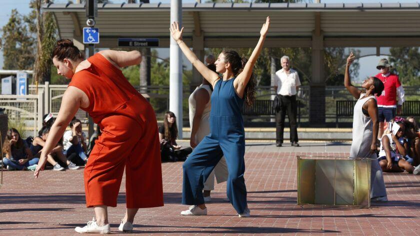 3021340_sd_me_trolley_dances_xol_NL San Diego, CA October 6, 2017 Local school children and Troll