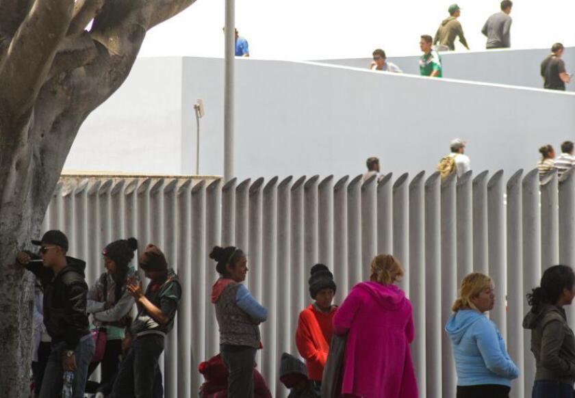 """Abogados presentan un plan """"efectivo"""" para aliviar la crisis en la frontera"""