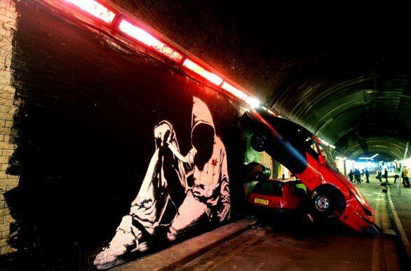Graffiti Show In London Tunnel