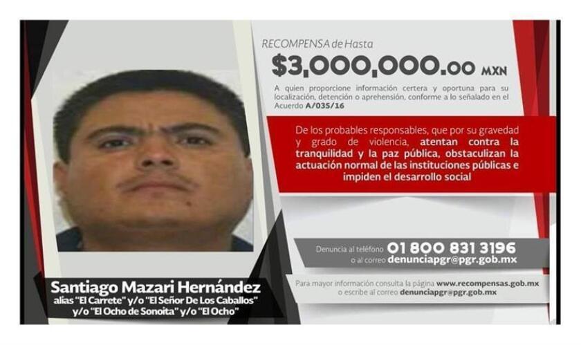 """Fotografía cedida este viernes por la Fiscalía General de la República, de la ficha de la recompensa que se ofrecía por el presunto líder de Los Rojos, """"El Carrete"""", uno de los criminales más buscados de México. Las autoridades mexicanas detuvieron a Santiago Mazari, """"El Carrete"""", presunto líder de Los Rojos, uno de los principales grupos criminales del sur del país, informó este viernes el Gobierno mexicano. EFE/PGR/SOLO USO EDITORIAL"""