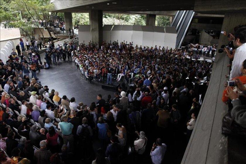 """El llamado """"Sistema"""" fue fundado en 1975 por el economista y músico venezolano José Antonio Abreu, un proyecto que nació con el objetivo de educar y rehabilitar a través de la música a los jóvenes que viven en las calles del país latinoamericano. EFE/Archivo"""