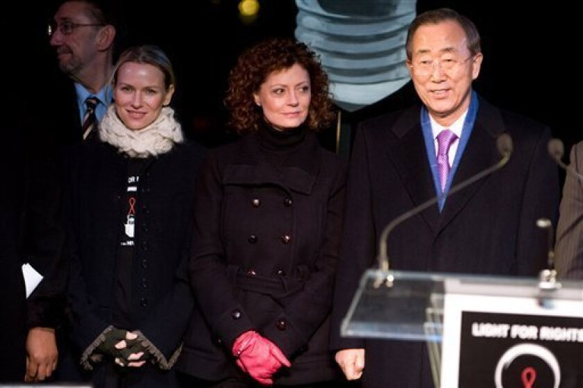 "Naomi Watts, Susan Sarandon and UN Secretary-General Ban Ki-Moon attend the World AIDS Day ""Lights for Rights"" event at Washington Square Park in New York, Tuesday, Dec. 1, 2009. (AP Photo/Charles Sykes)"