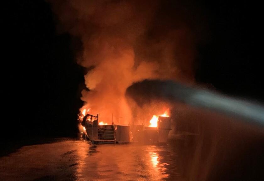 nydn-boatfire3n-ny0101172264-20190902