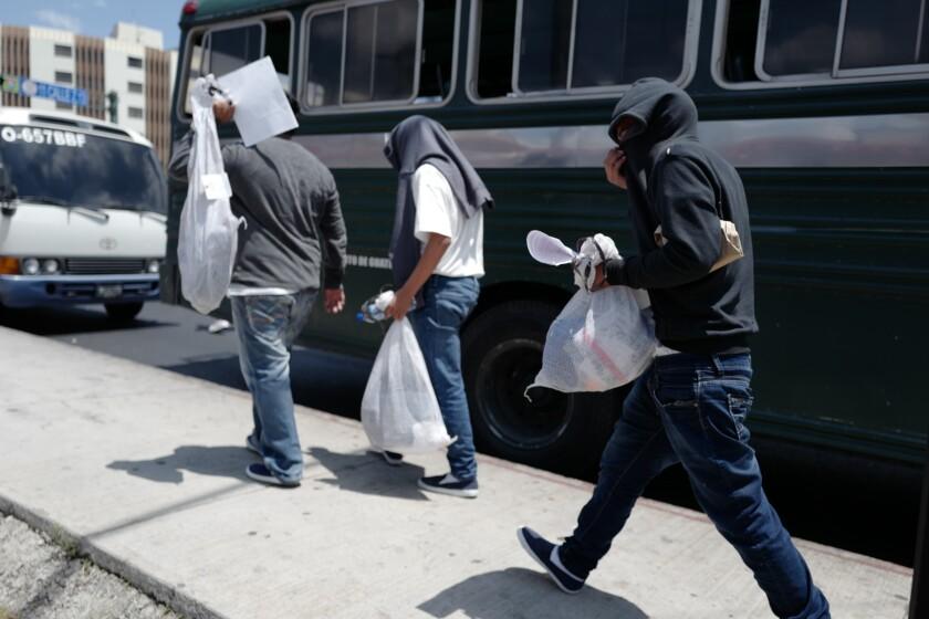 trump-deportations-guatemala-coronavirus05.JPG