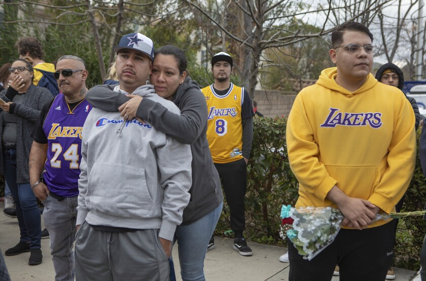 So many Kobe Bryant fans flooded helicopter crash area that authorities have closed roads