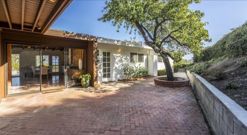 Spike Jonze's Malibu Midcentury   Hot Property
