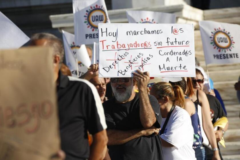 Jubilados se manifiestan en San Juan por postura gobernadora sobre pensiones