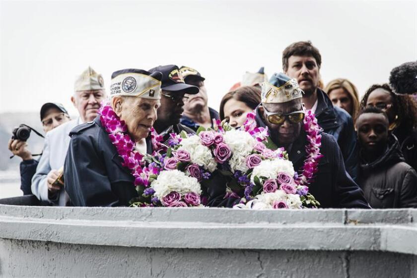 EEUU conmemoró hoy el ataque japonés sobre Pearl Harbor que hace 75 años traumatizó a un país que se creía lejos de la II Guerra Mundial y que hoy, tras décadas de amistad con Japón, ve aquella tragedia como una herida casi cerrada. EFE/SÓLO USO EDITORIAL/PROHIBIDA SU VENTA