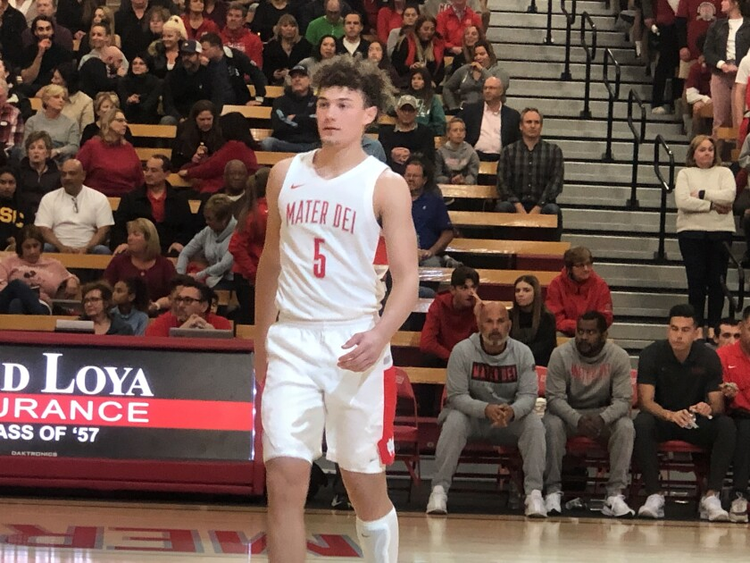Devin Askew of Mater Dei scored 22 points in a 60-54 win over St. John Bosco.