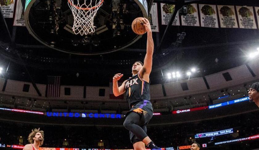 Devin Booker, jugador de los Suns de Phoenix. EFE/Archivo