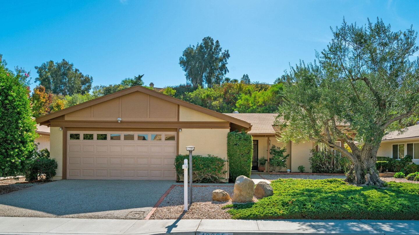 Home of the Week, 12395 Filera Rd, San Diego, CA 92128