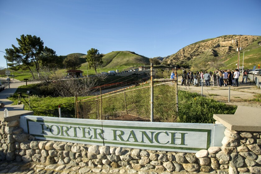 The air smelled faintly of wok-fried Asian food and sizzling In-N-Out burgers -- but, as several Porter Ranch residents pointed out -- it did not smell of gas.
