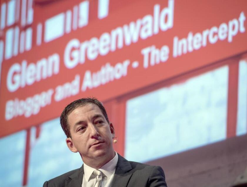 Bolsonaro dice que Greenwald no será deportado pero ironiza con su detención