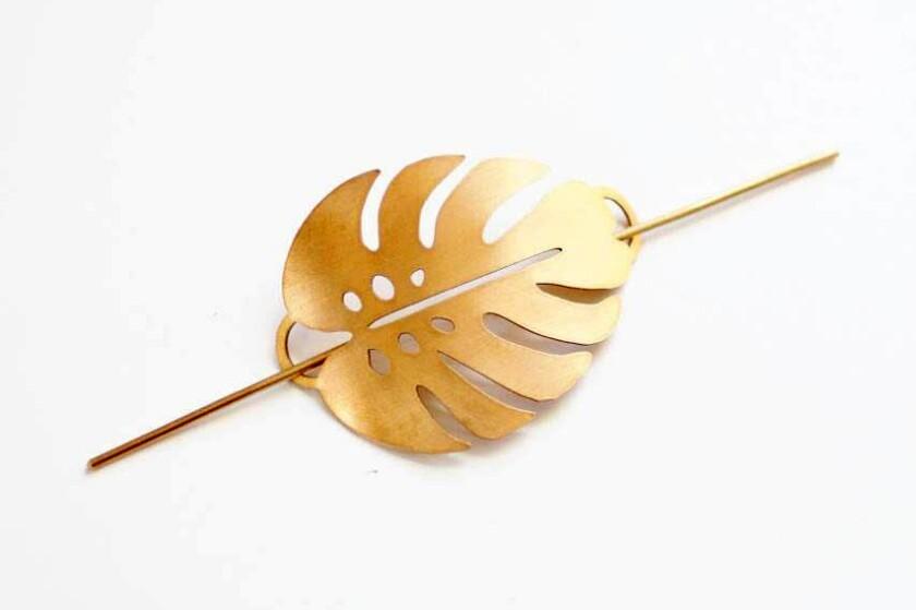 Leaf hair pin