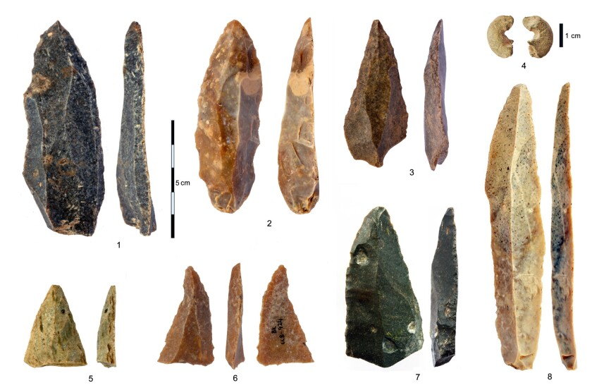 Stone artifacts from Bulgarian cave