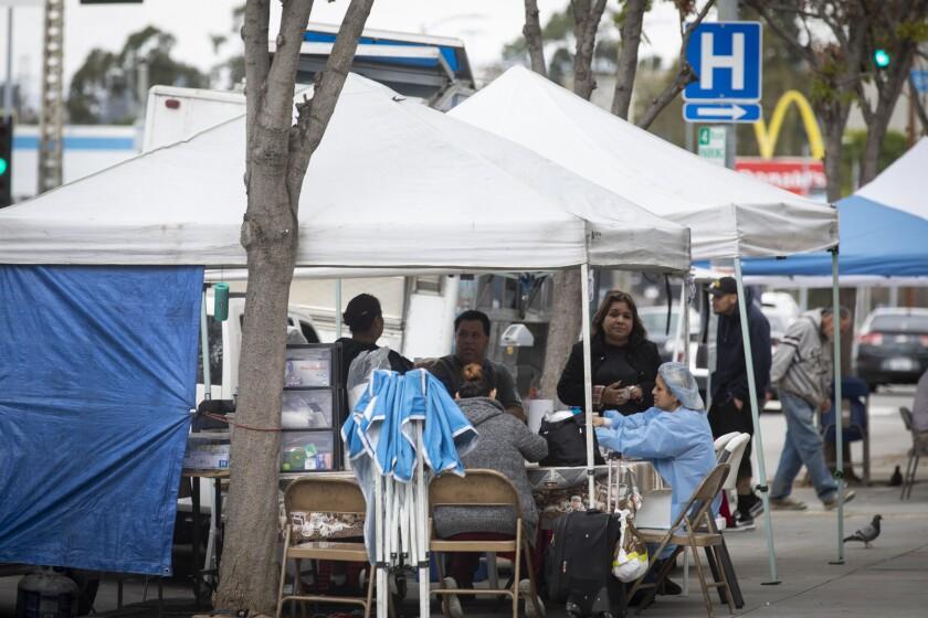 Food vendors outside County-USC Medical Center