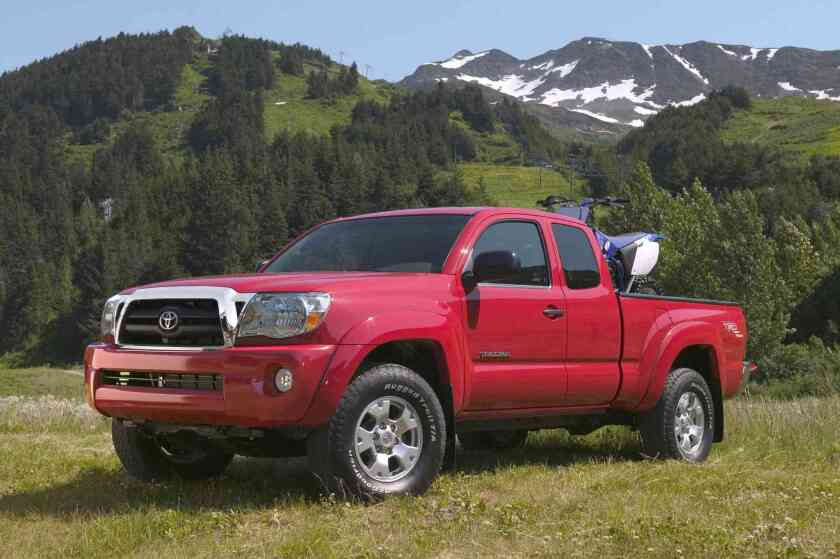 Toyota recalling 690,000 Tacoma trucks for fire risk - Los Angeles Times