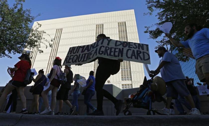 Vigilias para pedir el cierre de centros de detención de inmigrantes en EE.UU