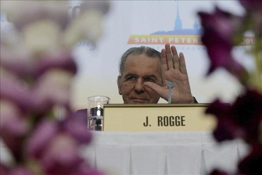 El presidente del Comité Olímpico Internacional (COI), Jacques Rogge, asiste a una reunión conjunta del Consejo Ejecutivo del COI y la Asociación de Federaciones Internacionales de las Olimpiadas de Verano en el ámbito de la Convención SportAccord 2013 en San Petersburgo (Rusia) hoy, miércoles 29 d