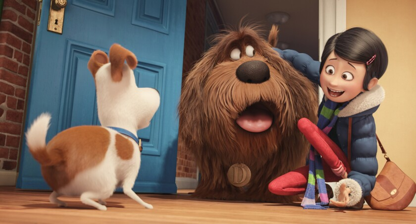"En esta imagen difundida por Universal Pictures, se ve a los personajes Max, Duke y la niña Katie en una escena de la película ""The Secret Lives of Pets"". (Illumination Entertainment and Universal Pictures via AP)"