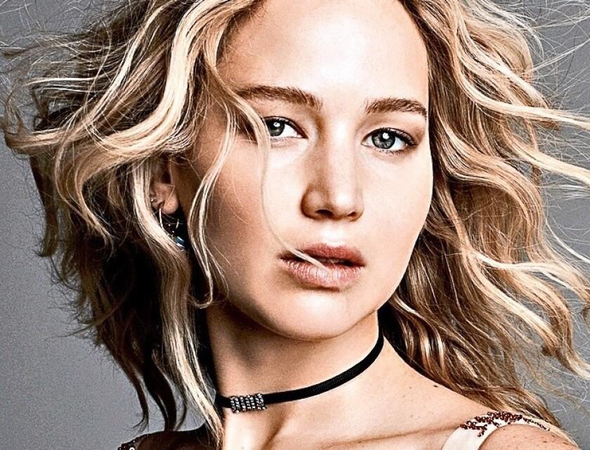 La cotizada actriz Jennifer Lawrence estaria viviendo un nuevo romance, y los 'paparazzi' lo saben.