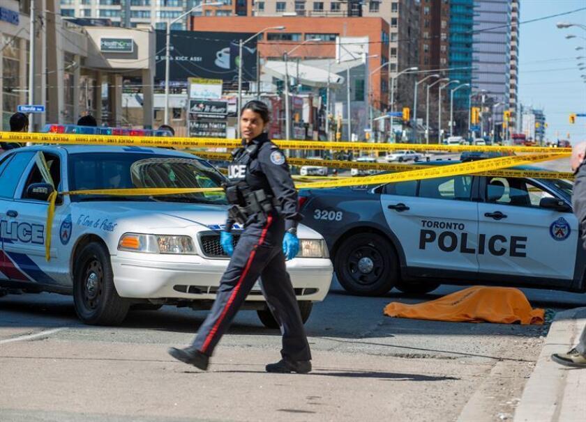 El jefe de Policía de Toronto, Mark Saunders, restó hoy credibilidad a la reivindicación del grupo terrorista Estado Islámico (EI) de la autoría del tiroteo registrado el pasado domingo en esta ciudad canadiense, que causó dos muertos y 13 heridos. EFE/ARCHIVO