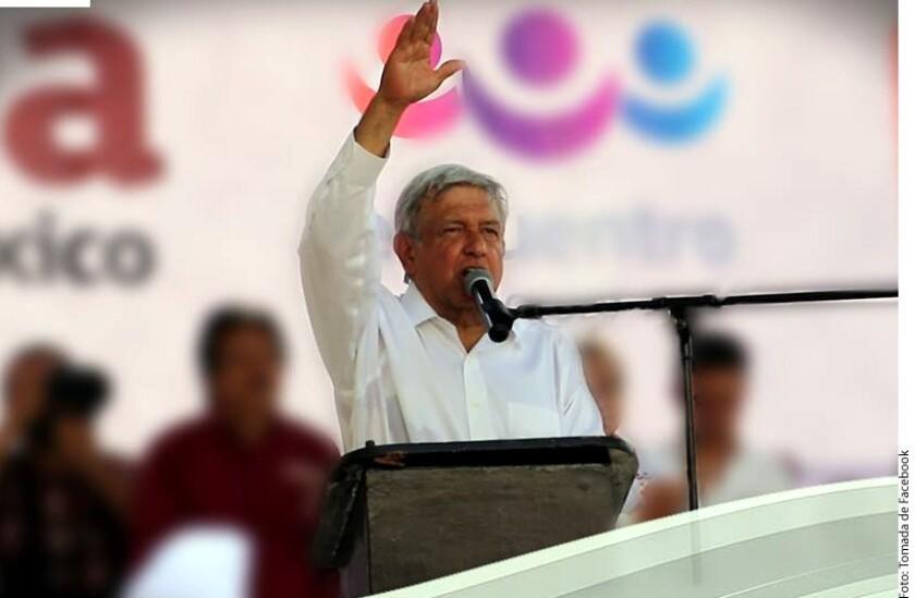 Andrés Manuel López Obrador criticó a la Fiscalía General de Guerrero por vincular con grupos criminales a uno de los dos curas asesinados el lunes en la carretera Taxco-Iguala.