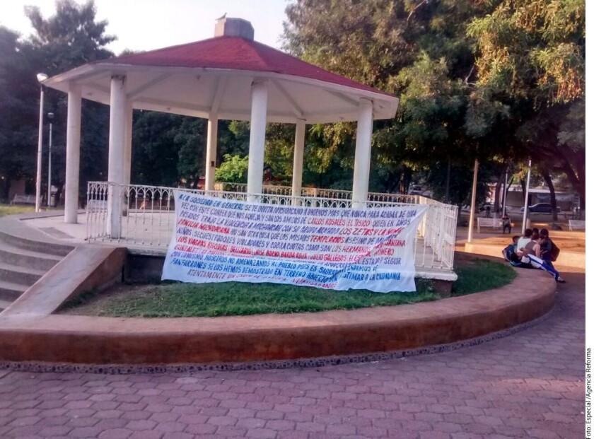 Mensajes colocados en los Municipios de Lázaro Cárdenas y Múgica anunciaron el inicio de una ofensiva contra Los Viagras y La Nueva Familia.