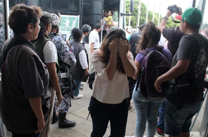 México deporta a 106 migrantes salvadoreños, la mayoría menores de edad