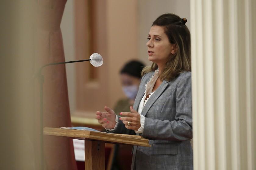 En esta fotografía del 2 de julio de 2020, la senadora estatal Melissa Melendez
