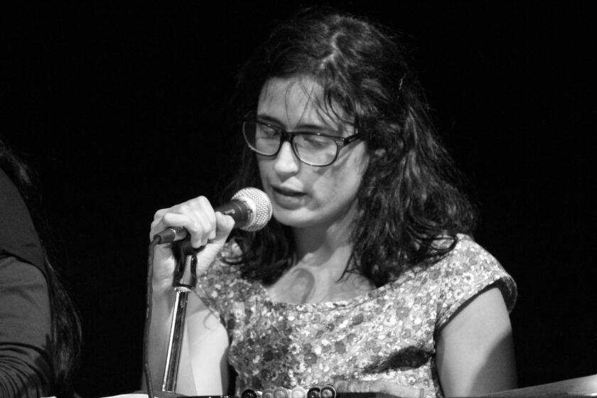 Luisa Pardo, fundadora del grupo teatral capitalino Lagartijas Tiradas al Sol, fue una de las libretistas de este montaje de carácter internacional.