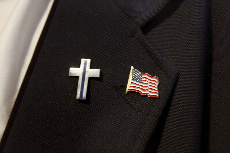 Candidates seek evangelical vote