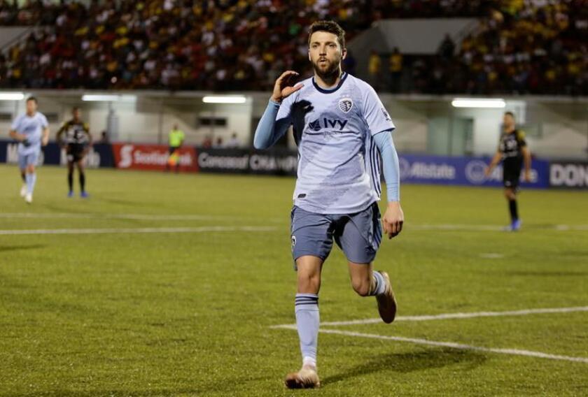 En la imagen, Ilie Sánchez de Sporting Kansas City. EFE/Archivo
