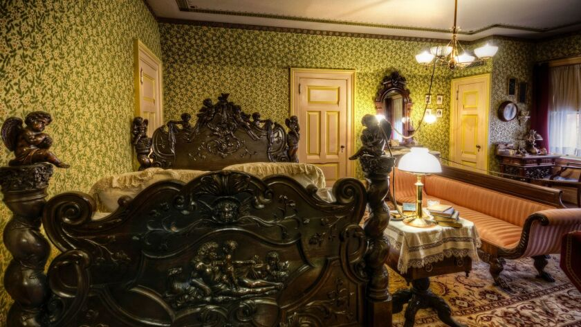 A photograph of the master bedroom of the Mark Twain House. Credit: Frank Grace / Mark Twain House