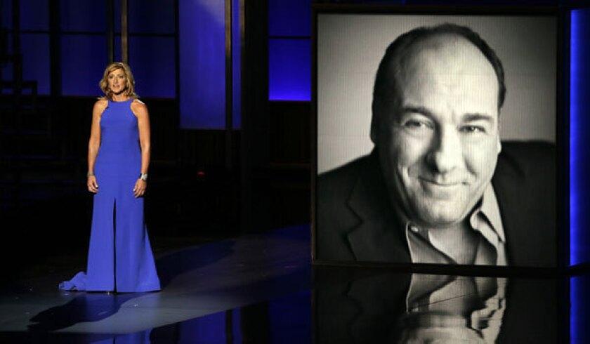 Edie Falco remembers James Gandolfini at the 2013 Emmy Awards.