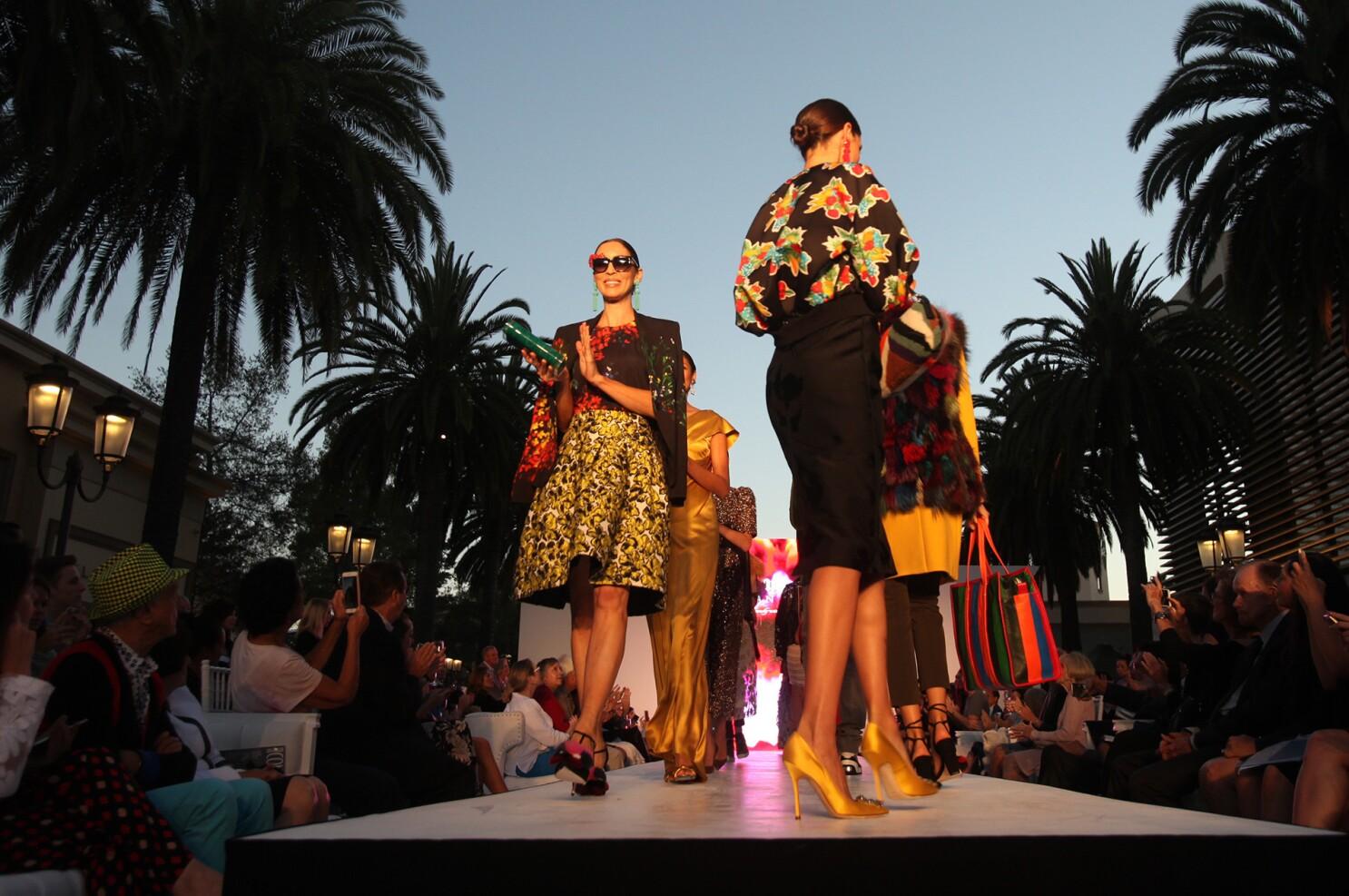 Influencers to teach fashion, beauty and digital marketing