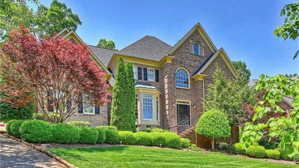 Golf Course Home In Charlotte N C No Longer Hits The Right Note For Fantasia Los Angeles Times