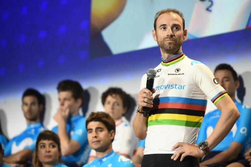 Alejandro Valverde, Campeón del Mundo de Ciclismo, durante su intervención en la presentación del equipo Movistar de ciclismo para la temporada 2019, en el Distrito Telefónica, Madrid. EFE